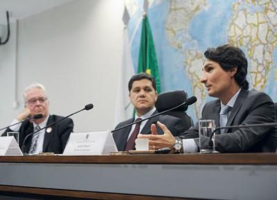 politica_senado_audiencia